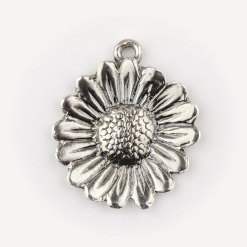 Daisy Small - Pendant: click to enlarge